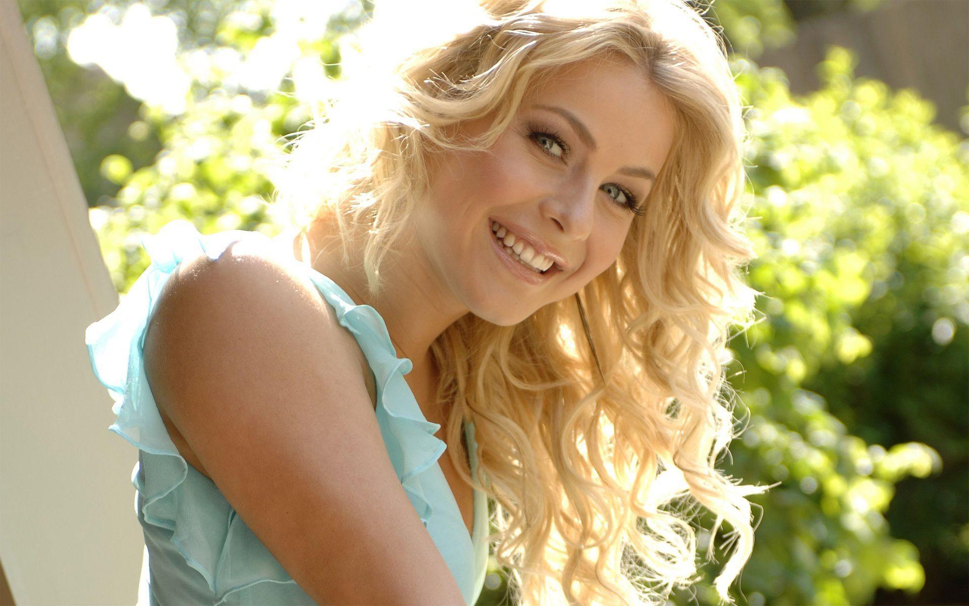blondinka-zastavila-otlizat-smotret-onlayn