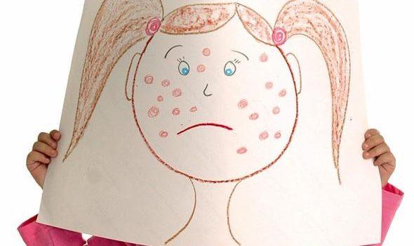 рисунок с девочкой в точечку