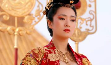 китаянка в нац. костюме