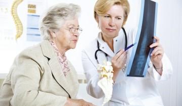 Бабушка и врач