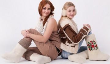 две девушки в валенках